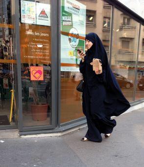 passante à Paris